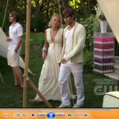 Okay she looks awkward here, but look at her dress! It's like some Greek goddess dress, I swear.
